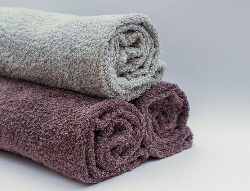 Bloß nicht rubbeln: Das richtige Handtuch für Locken